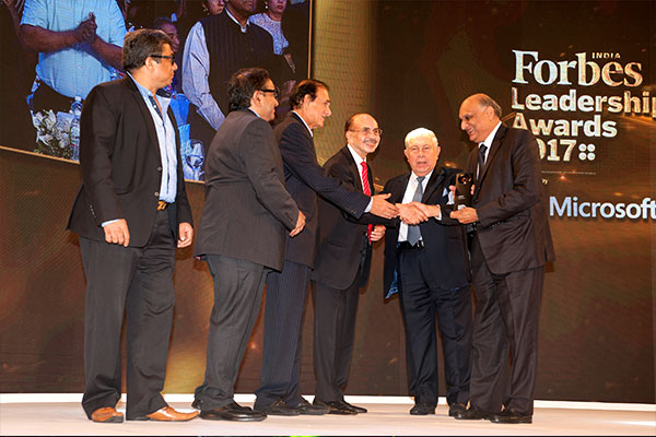 Entrepreneur of the Year award by Forbes India to Shri H. M. Bangur, Managing Director, Shree Cement Ltd.